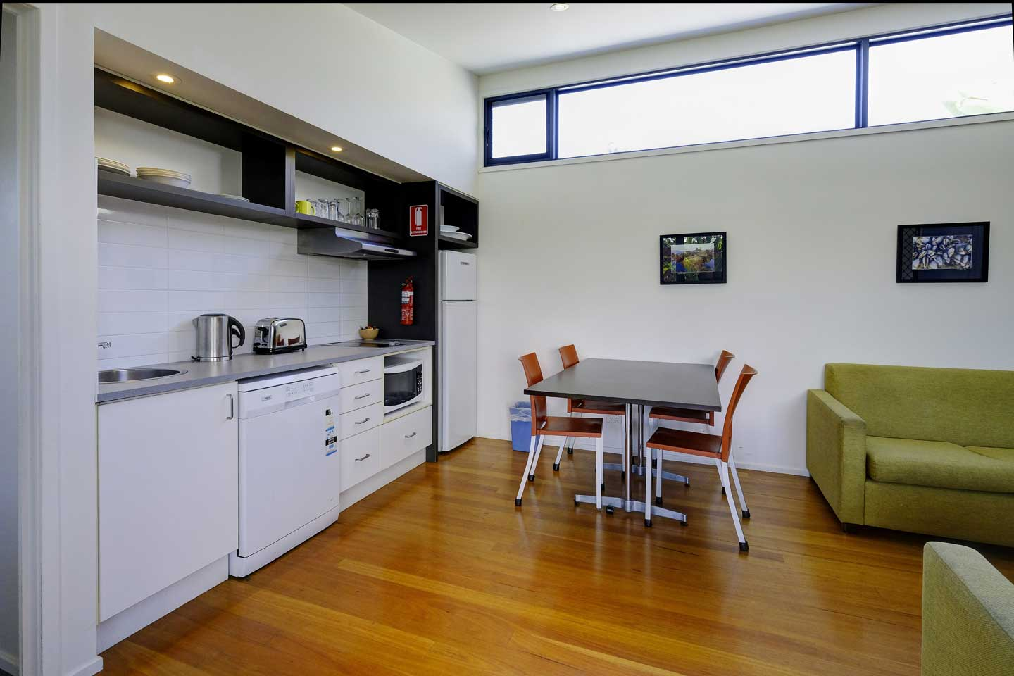 two-bedroom-kitchen