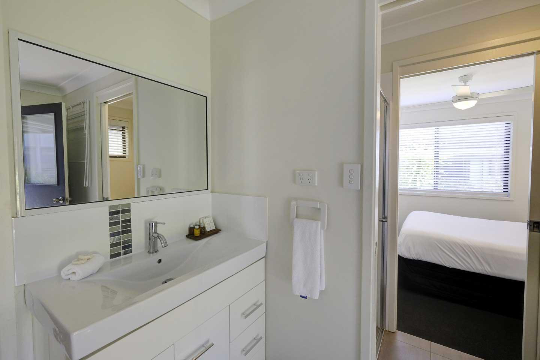 family-cottage-bathroom
