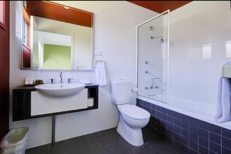 two-bedroom-resort-bathroom